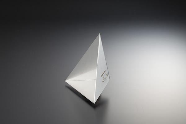 三面(三角錐型)コーナーリフレクタ